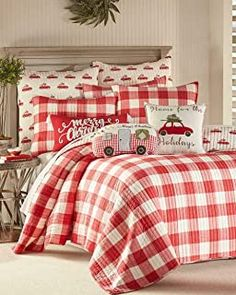 Red Green Holiday Travel Reversible Plaid Quilt Only King Size Christmas Bedding King Quilt Sets, Queen Quilt, Christmas Bedding, Christmas Duvet Covers, Diy Christmas Pillows, Red And White Quilts, King Pillows, Throw Pillows, Pillow Shams