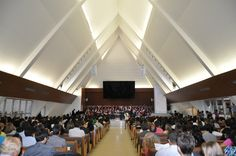Interior do Templo Adventista do Sétimo Dia no Plano Piloto, em Brasília, DF, Brasil.