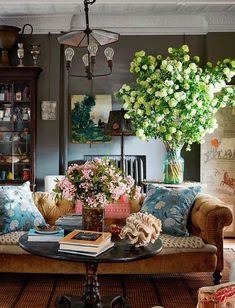 Home Sweet Home: Eclectic, Charming Beauty with John Derian | ZsaZsa Bellagio – Like No Other