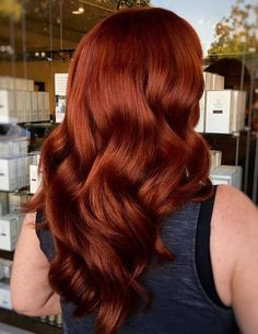 long+auburn+subtle+ombre+hair red hair styles Auburn Hair Seductive Chocolate Hair with Highlights Subtle Ombre Hair, Dark Auburn Hair Color, Auburn Red Hair, Ombre Hair Color, Auburn Colors, Auburn Hair Copper, Dark Orange Hair, Deep Red Hair Color, Auburn Brown