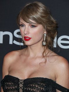 Taylor Swift Web Photo Gallery: Click image to close this window Taylor Swfit, Taylor Swift Hair, Taylor Swift Makeup, Taylor Swift Style, Taylor Alison Swift, Taylor Swift Gallery, Taylor Swift Pictures, Miss Americana, Celebs