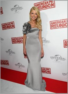 Tara Reid wearing Christiane King's Silver gown on red carpet. Featured on E! Tara Reid, African Dresses For Women, African Women, Silver Gown, African Fashion Designers, Ghanaian Fashion, African Design, American, Gowns