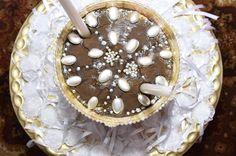 חינה עולם חתונות אורכדיה בירושלים Caramel Apples, Henna, Pie, Desserts, Food, Torte, Tailgate Desserts, Pastel, Meal