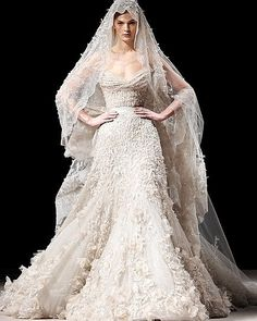 Man Divorces Wife Over $40000 (8600000) Wedding Dress.. read more and comment on http://ift.tt/1bOWfj8 #life #marriage