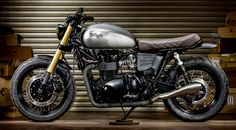 Triumph Bonneville 'Maltese Falcon' by Macco Motors. This beauty was built to take a beating.