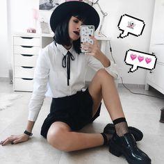 14.9 тыс. отметок «Нравится», 118 комментариев — LYDIA F. (@deaddsouls) в Instagram: «it's halloween witches! have fun and stay safe xx»