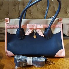 Very cute purse with removable strap Very cute almost brand new used a couple times. Bags Shoulder Bags