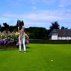 Yes, this is my first lesson !  Falling in love  with #golf at #hoteldugolfbarriere #deauville #normandie @hotelsbarrieredeauville @hotelfouquetsbarriere #lacoquetteitalienne