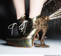 Peacock shoes by Masaya Kushino. I wish I crazy enough to pull these off!