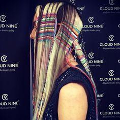Ça vous dirait de savoir faire de la tapisserie dans vos cheveux? http://www.humanosphere.info/2015/08/ca-vous-dirait-de-savoir-faire-de-la-tapisserie-dans-vos-cheveux/ via @humanosphere