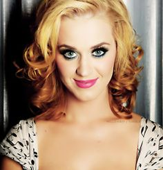 Katy Perry.. Love the blonde hair!