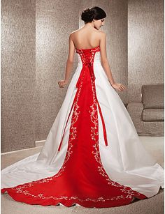 A-line/Princess Plus Sizes Wedding Dress - Ivory & Ruby (color may vary by monitor) Chapel Train Strapless Satin – USD $ 159.99