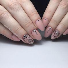 Новые дизайнерские решения: 30 модных идеи маникюра для острой формы ногтей