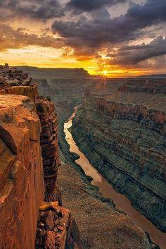 Grand Canyon National Park, Colorado River, Arizona, USA.