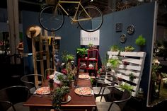 "Chicago Flower and Garden Show: Citygirl event production created a tabletop inspired by ""the viewpoint of a sophisticated city lifestyle with an emphasis on sustainable elements."""