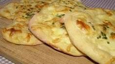 Brze lepinje sa jogurtom i sirom - Mali kuhar Bosnian Recipes, Croatian Recipes, Bosnian Food, Pub Food, Bread And Pastries, Food Staples, Bread Baking, Food And Drink, Cooking Recipes