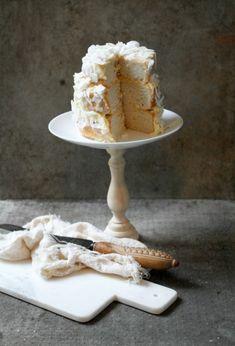 Natural wood Cake Stand