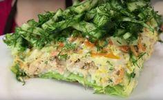 Этот салат полюбит каждый, кто хоть раз его попробует. Он очень оригинальный, вкусный и изумительно нежный. Такой салат станет украшение любого праздничного стола. Готовится быстро и просто. В...