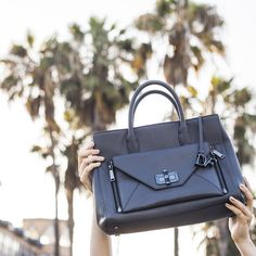 Fresh and sophisticated, the #DVFSecretAgent is the perfect accomplice for soaking up the California sun! http://on.dvf.com/1UXxuKP