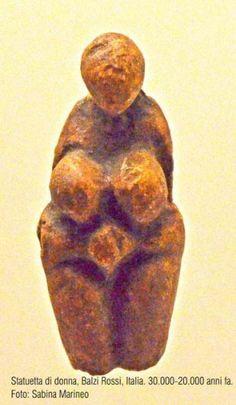 statuetta di donna, balzi Rossi. 30.000 - 25.000 anni fa Ancient Goddesses, Gods And Goddesses, Venus, Sculpture Art, Sculptures, Paleolithic Era, Mother Goddess, Statues, Aphrodite