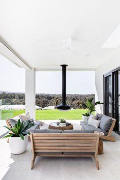 Outdoor Furniture Australia, Outdoor Lounge Furniture, Outdoor Living Rooms, Outdoor Spaces, Acerage Homes, Alfresco Designs, Alfresco Ideas, Dream Home Design, House Design