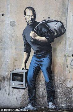 graff de Banksy qui rappelle que Steve Jobs était le fils d. The Banksy graffiti who recalls that Steve Jobs was the son of a Syrian migrant. Banksy - Calais Banksy graffiti who recalls that Steve Jobs was the son of a Syrian migrant. 3d Street Art, Street Art Banksy, Urban Street Art, Amazing Street Art, Street Artists, Urban Art, Banksy Graffiti, Bansky, Graffiti Lettering