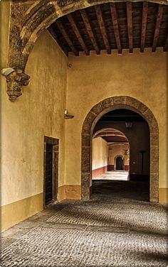 Monasterio de Yuste... Spain  Ven a Vergaua y descubre la vera www.veraguaocio.com TurismoExtremadura Alojamiento rural Caceres Extremadura España via www.foro-ciudad.com