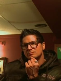 Babe is so focused 😁😙💖 You Are Handsome, Hunting Shows, Ghost Adventures Zak Bagans, Ghost Hunters, My Destiny, Geek Humor, Dream Guy, Paranormal, A Team