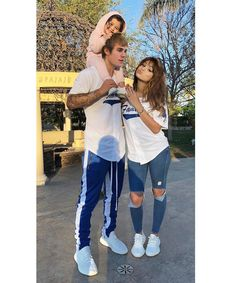 "8,821 Likes, 436 Comments - Justin Bieber (@boyjdb) on Instagram: ""Do you like Selena?"""