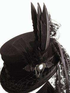Risultati immagini per victorian hats and bonnets Mode Steampunk, Steampunk Hat, Steampunk Design, Steampunk Fashion, Gothic Fashion, Steampunk Necklace, Steampunk Clothing, Emo Fashion, Victorian Hats
