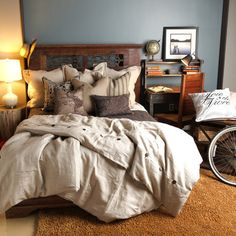 Linen duvet cover with button accents.  Product: DuvetConstruction Material: 100% LinenColor: Na...