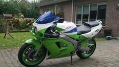Kawasaki Ninja 750, Jeep Bumpers, Kawasaki Motorcycles, Classic Bikes, Scooters, Freedom, Vehicles, Green, Liberty