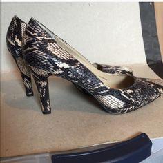 Ellen Tracy faux snake skin heels Worn once Ellen Tracy Shoes Heels