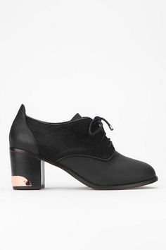 Messeca Sasha Lace-Up Oxford Heel