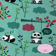 Úplet panda s bambusovými výhonky