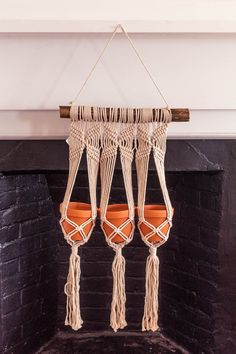Macrame Plant Holder, Macrame Plant Hangers, Plant Holders, Home Crafts, Arts And Crafts, Diy Crafts, Hippie Crafts, Hippy Room, Small Succulents