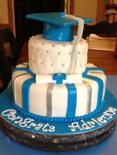 High School Graduation Party Cakes | Posted by Learning To Fly at 9:19 AM