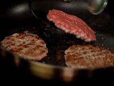 Gode tips til koldtbord   Artikkel - MatPrat Grill Pan, Steak, Grilling, Tv, Recipes, Food, Griddle Pan, Crickets, Rezepte