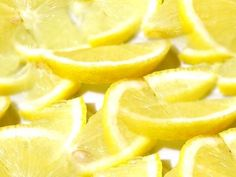 Facelift mask recipe for oily skin:  1 egg 3 tbsp – powdered milk 1 tbsp – witch hazel Juice of 1 lemon  Mix the ingredients until smooth. Apply the mixture on your face and neck for 15 minutes. Use the leftover mixture along with warm water to remove the mask.