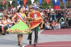 EE UU, Sleepy Hollow, NY. 2014, Septiembre 14.   Fernanda Belen y Maicol, Campeones Juveniles Punta Arenas 2014, nuestros Embajadores de la Cueca en Estados Unidos... https://www.facebook.com/photo.php?fbid=10204888423831880&set=ms.c.eJwzNDAyMLGwsDAxMrYwNrSwMNAzRIiYmBtamBsCAH8gBxc~-.bps.at.1647742074934.90855.1278415444.1271511780.100003497239012&type=1&theater
