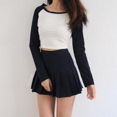Nails winter dark black hair Ideas for 2019 Cute Fashion, Skirt Fashion, Teen Fashion, Korean Fashion, Fashion Outfits, Fashion Trends, Womens Fashion, Mode Outfits, Korean Outfits