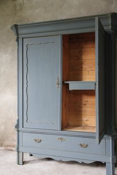Oud houten dressoir inndoors meubelen en interieur inndoors unieke meubelen pinterest - Kledingkast en dressoir ...