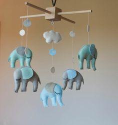 mobile kinderbett filztiere elefanten mobile pinterest basteln mobiles und deko. Black Bedroom Furniture Sets. Home Design Ideas