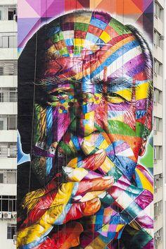 Brazilian street artist Eduardo Kobra | Mural of architect Oscar Niemeyer on a multi-story building in Sao Paulo.