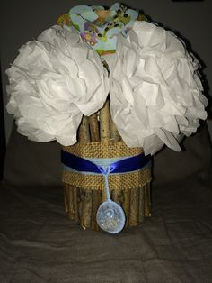 DIY centerpiece for a baby shower , inexpensive and fun