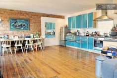 Funky loft apartment in Shoreditch. This classic Hoxton Loft is full of character.