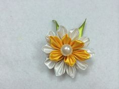 DIY Kanzashi Flower - Createsie