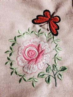 Butterfly and flower Embroidery Design 413 | Free Embroidery Designs Download | Free Machine Embroidery Designs | Free Embroidery Patterns