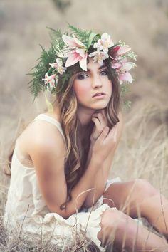 loose curls, hair wrap with flowers http://amandahollowayphotography.com/portfolio-3/vintage/