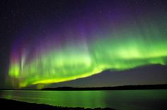 wow. 40 pictures of absolutely mind blowing places! i've always wanted to see the northern lights, ever since i watched Balto. :)